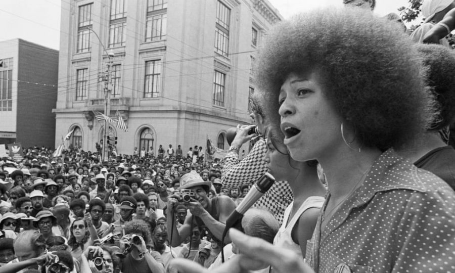 %22In+a+racist+society%2C+it%27s+not+enough+to+be+non-racist%2C+we+must+be+anti-racist%22+-+Angela+Davis